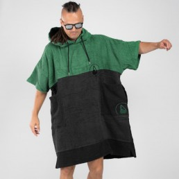 "Wave Hawaii Move towel robe poncho. Whether on the beach, at the pool, after a shower or just lounging around at home our poncho will always keep you comfortable and warm, as well as being the perfect ""mobile changing room"" when getting in and out of your swimwear or wetsuit! Towel changing robe."